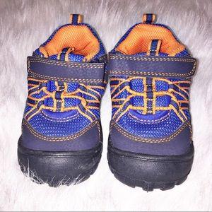 Boys Oshkosh Bgosh toddler shoes size 8
